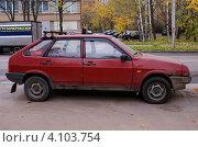 Купить «Хэтчбек ВАЗ - 2109», фото № 4103754, снято 17 октября 2012 г. (c) Павел Кричевцов / Фотобанк Лори
