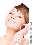 Купить «Привлекательная женщина с мобильным телефоном в руке», фото № 4126722, снято 22 ноября 2009 г. (c) Syda Productions / Фотобанк Лори