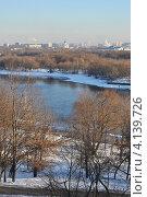 Купить «Вид из Коломенского парка на Москву», эксклюзивное фото № 4139726, снято 12 декабря 2012 г. (c) lana1501 / Фотобанк Лори