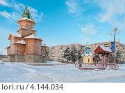 Купить «Недостроенная деревянная церковь в городе Сегежа, Карелия», фото № 4144034, снято 8 января 2010 г. (c) Кекяляйнен Андрей / Фотобанк Лори