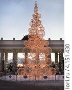 Купить «Новогодняя елка в парке Горького. Москва», фото № 4151430, снято 23 декабря 2012 г. (c) Victoria Demidova / Фотобанк Лори