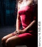Женская фигура в красном платье без головы. Стоковое фото, фотограф Dmitry Abezgauz / Фотобанк Лори