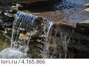 Водопад на  искусственном ручье. Стоковое фото, фотограф Петрищев Максим / Фотобанк Лори