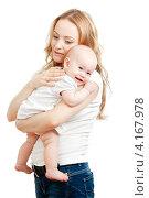 Купить «Молодая мама держит ребенка на руках», фото № 4167978, снято 24 октября 2011 г. (c) Андрей Кузьмин / Фотобанк Лори