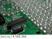 Печатная плата с микросхемой и светодиодами (2013 год). Редакционное фото, фотограф Роман Завьялов / Фотобанк Лори