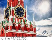 Купить «Спасская башня Московского Кремля», фото № 4173730, снято 25 апреля 2019 г. (c) pzAxe / Фотобанк Лори