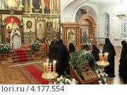Купить «Шамордино, праздничная Рождественская литургия в Казанском соборе», эксклюзивное фото № 4177554, снято 26 мая 2010 г. (c) ДеН / Фотобанк Лори