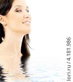 Купить «Портрет очаровательной молодой женщины с длинными темными волосами», фото № 4181986, снято 7 января 2007 г. (c) Syda Productions / Фотобанк Лори