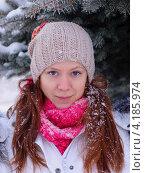 Девушка в зимнем парке. Стоковое фото, фотограф Ирина Балина / Фотобанк Лори