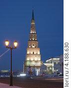 Башня Сююмбике в Казанском кремле. Новогодняя ночь (2012 год). Редакционное фото, фотограф Андрей Ижаковский / Фотобанк Лори