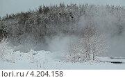 Купить «Пар от сточных вод», видеоролик № 4204158, снято 18 января 2013 г. (c) Кекяляйнен Андрей / Фотобанк Лори