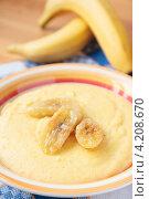 Купить «Молочная каша из кукурузной муки с жареными бананами», фото № 4208670, снято 19 января 2013 г. (c) Наталья Евстигнеева / Фотобанк Лори