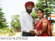 Купить «Молодая индийская пара», фото № 4210622, снято 25 июня 2012 г. (c) Дмитрий Калиновский / Фотобанк Лори