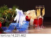 Купить «Праздничный натюрморт с шампанским, елочными украшениями и подарком», фото № 4221462, снято 26 сентября 2012 г. (c) Sergey Nivens / Фотобанк Лори