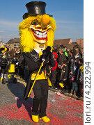 Костюмированный парад музыкантов на празднике-маскараде в Швейцарии (2012 год). Редакционное фото, фотограф Николай Овечко / Фотобанк Лори