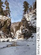 Восточные Саяны. Аршан. Ущелье горной реки Кынгарги, незамерзающей даже в сибирские морозы. Стоковое фото, фотограф Виктория Катьянова / Фотобанк Лори