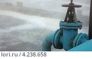 Купить «Обогащение сточных вод кислородом», видеоролик № 4238658, снято 28 января 2013 г. (c) Кекяляйнен Андрей / Фотобанк Лори