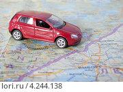 Купить «Путешествие на автомобили в Финляндию . Автомобиль на туристической карте», эксклюзивное фото № 4244138, снято 5 января 2013 г. (c) Литвяк Игорь / Фотобанк Лори