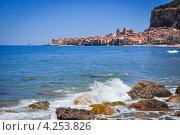 Живописный итальянский городок Чефалу (Сицилия) (2012 год). Стоковое фото, фотограф Anna Romashova / Фотобанк Лори
