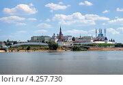 Вид на казанский кремль с берега реки Казанки, Татарстан (2011 год). Стоковое фото, фотограф Михаил Марковский / Фотобанк Лори