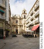 Купить «Церковь Santa Eufemia в городе Оренсе. Испания», эксклюзивное фото № 4269186, снято 26 сентября 2012 г. (c) Владимир Чинин / Фотобанк Лори