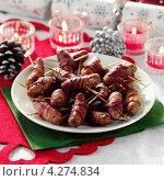 Купить «Завернутые свиные колбаски на праздничном новогоднем столе», фото № 4274834, снято 16 января 2019 г. (c) Food And Drink Photos / Фотобанк Лори
