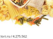 Купить «Различные виды макарон. Макаронные изделия», фото № 4275562, снято 16 января 2013 г. (c) Воронин Владимир Сергеевич / Фотобанк Лори