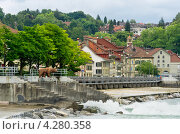 Вид на старый Берн с реки Ааре. Швейцария (2011 год). Редакционное фото, фотограф Andrei Nekrassov / Фотобанк Лори