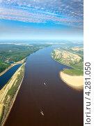 Купить «Большая река в весенний период», фото № 4281050, снято 30 мая 2012 г. (c) Владимир Мельников / Фотобанк Лори