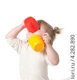 Купить «Ребенок пьет сок из кружки», фото № 4282890, снято 11 марта 2012 г. (c) Андрей Брусов / Фотобанк Лори