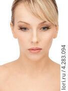 Купить «Очаровательная молодая блондинка крупным планом», фото № 4283094, снято 8 февраля 2011 г. (c) Syda Productions / Фотобанк Лори