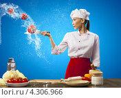 Купить «Юная восточная повариха в белом колпаке большим ножом рубит на лету овощи на кухне на синем фоне», фото № 4306966, снято 26 ноября 2012 г. (c) Sergey Nivens / Фотобанк Лори