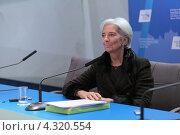 Купить «Кристин Лагард (Christine Madeleine Odette Lagarde) - директор-распорядитель Международного валютного фонда (МВФ) на пресс-конференции посвященной предстоящему саммиту G20», фото № 4320554, снято 16 февраля 2013 г. (c) Игорь Долгов / Фотобанк Лори