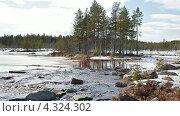 Купить «Река в Карелии», видеоролик № 4324302, снято 23 февраля 2013 г. (c) Кекяляйнен Андрей / Фотобанк Лори