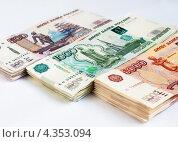 Купить «Стопки российских денег разного достоинства», эксклюзивное фото № 4353094, снято 28 февраля 2013 г. (c) Игорь Низов / Фотобанк Лори