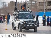 Автомобиль стилизованный под пиратский корабль, фото № 4354970, снято 2 марта 2013 г. (c) Геннадий Соловьев / Фотобанк Лори