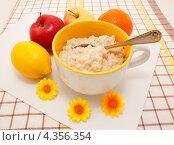 Купить «Здоровый завтрак», эксклюзивное фото № 4356354, снято 3 марта 2013 г. (c) Наталья Осипова / Фотобанк Лори