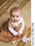 Купить «Младенец в  сарафане», эксклюзивное фото № 4366166, снято 18 декабря 2012 г. (c) Алина Голышева / Фотобанк Лори