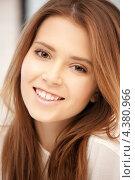Купить «Красивая девушка с густыми длинными волосами», фото № 4380966, снято 13 ноября 2011 г. (c) Syda Productions / Фотобанк Лори