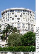 Монако. Круглая гостиница в Монте-Карло. (2011 год). Редакционное фото, фотограф Людмила Маркина / Фотобанк Лори