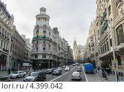 Купить «Улица Гран Виа. Мадрид», фото № 4399042, снято 2 марта 2013 г. (c) Аркадий Захаров / Фотобанк Лори