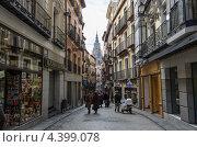 Купить «Средневековая улица в исторической части Толедо. Испания», фото № 4399078, снято 3 марта 2013 г. (c) Аркадий Захаров / Фотобанк Лори