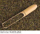Бамбуковая ложка с зеленым чаем. Стоковое фото, фотограф Владимир Киликовский / Фотобанк Лори