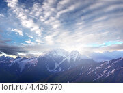 Высокие горы и яркое небо. Стоковое фото, фотограф Евгений Валерьевич / Фотобанк Лори