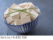 Купить «Сыр тофу, порезанный кубиками», фото № 4430166, снято 18 марта 2013 г. (c) Stockphoto / Фотобанк Лори