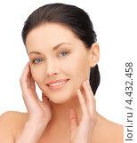 Купить «Красивая брюнетка с ухоженной кожей», фото № 4432458, снято 7 апреля 2012 г. (c) Syda Productions / Фотобанк Лори