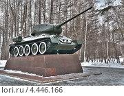 Купить «Памятник танку Т-34 в Парке Победы города Уфы», фото № 4446166, снято 23 марта 2013 г. (c) Геннадий Зуев / Фотобанк Лори