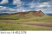 """Купить «Гора """"Первый Сундук"""" на фоне неба. Хакасия», фото № 4452578, снято 4 августа 2011 г. (c) Nikitin / Фотобанк Лори"""