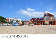 Купить «Центральная площадь станицы Тамань», фото № 4453018, снято 22 мая 2012 г. (c) Анна Мартынова / Фотобанк Лори