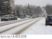 Купить «Снегопад в городе», эксклюзивное фото № 4453078, снято 24 марта 2013 г. (c) Галина Лукьяненко / Фотобанк Лори